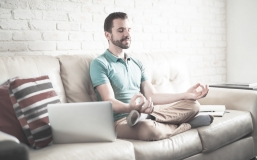 Les 8 lois karmiques de l'auto-entrepreneur